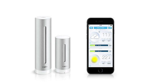 DieNetatmo Module für den Innenraum, der Aussensensor und die iOS App auf dem iPhone.