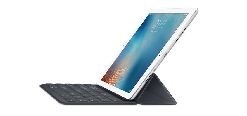 Smart Keyboard – die Tastatur für das iPad Pro 9,7 Zoll. Leider kann Apple immernoch kein Modell mit deutscher QWERTZ-Tastaturbelegung liefern.