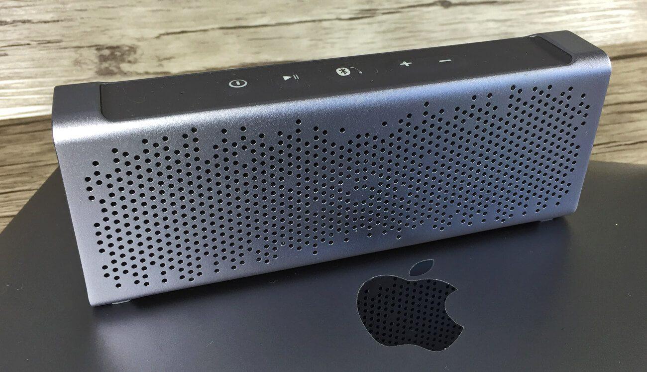 Inateck BP2101 auf dem MacBook