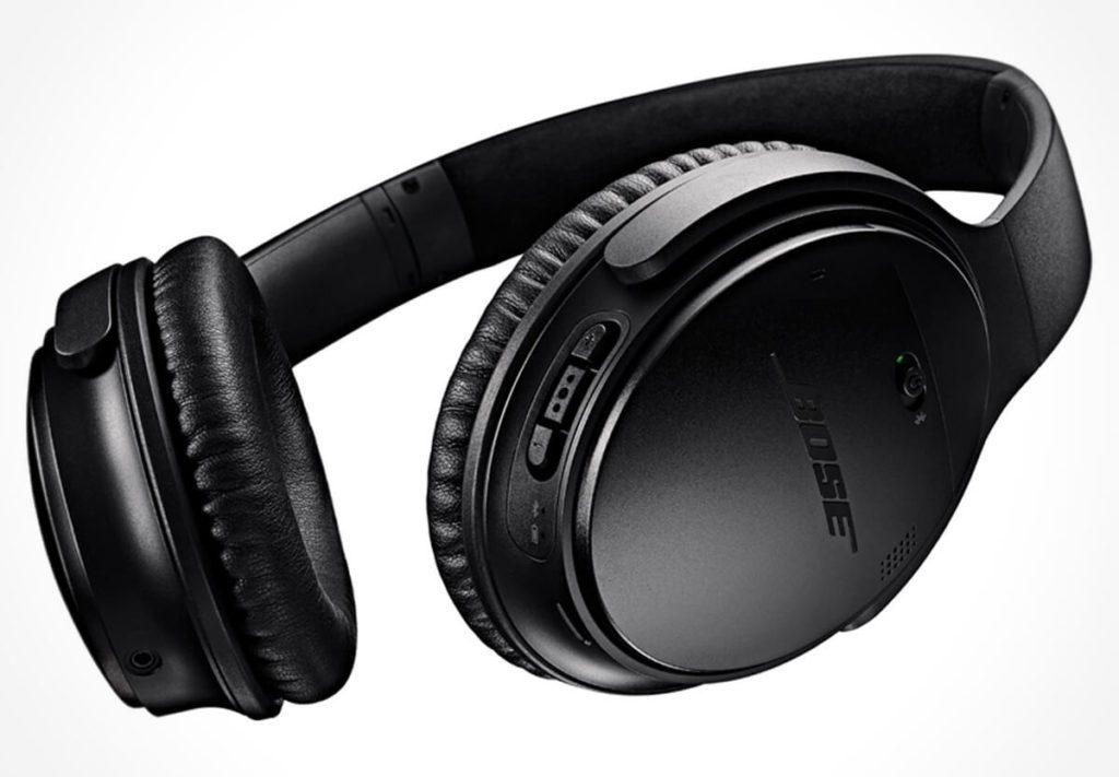 Der Bose QC35 Noice Cancellation Kopfhörer ist der kabellose Nachfolger des QC25, der noch nicht über Bluetooth verfügte (Fotos: Amazon).