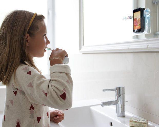 playbrush zähneputzen kinder app zahnbürste spiel