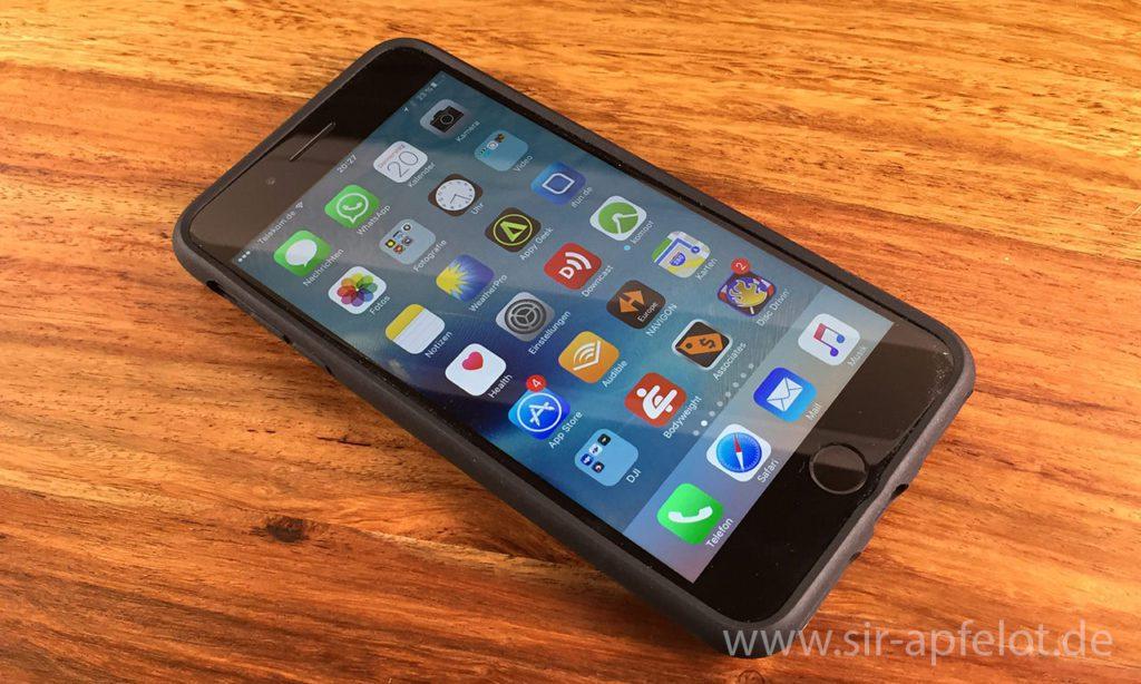 Hier das aktuelle iPhone 7 Plus im neuen Quad Lock Case … fotografiert mit dem iPhone 6… manchmal ist es hilfreich, wenn man sein altes iPhone behält! ;-)