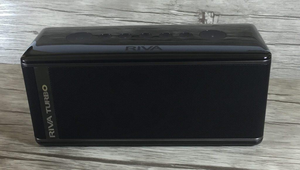 Mobiler Buetooth Lautsprecher im zeitlosen Design – der RIVA Turbo X.