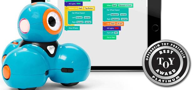 Den Wonder Workshop Dash Roboter könnt ihr einfach online kaufen und zu Weihnachten verschenken. Mit den passenden Apps lernen Kinder spielend leicht Programmieren - für jedes Alter gibt es das richtige Programm (s. u.); Bildquelle: Amazon