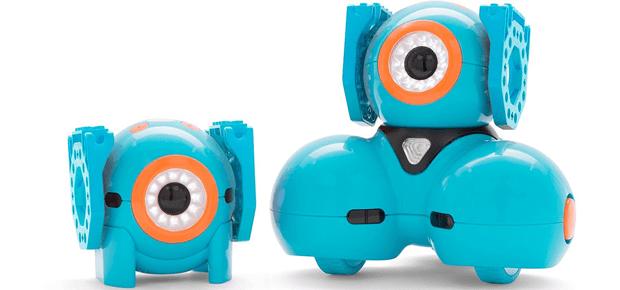 Die Lego Konnektoren bzw. Lego Adapter für Dash und Dot lassen sich auch einzeln kaufen. Sie sorgen dafür, dass die Wonder Workshop Roboter mit Lego verbunden und ihre Einsatz bereiche so vergrößert werden können; Bildquelle: Amazon