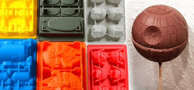 Star Wars Eiswürfel oder Star Wars Schokolade selber machen, das ist kein Problem mit den Eiswürfel- und Backformen aus diesem Beitrag. Bilderquelle: Amazon; Star Wars Pralinen selber machen