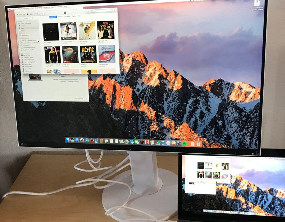 Der Eizo EV2780-WT FlexScan als externer Monitor an meinem 12-Zoll MacBook.