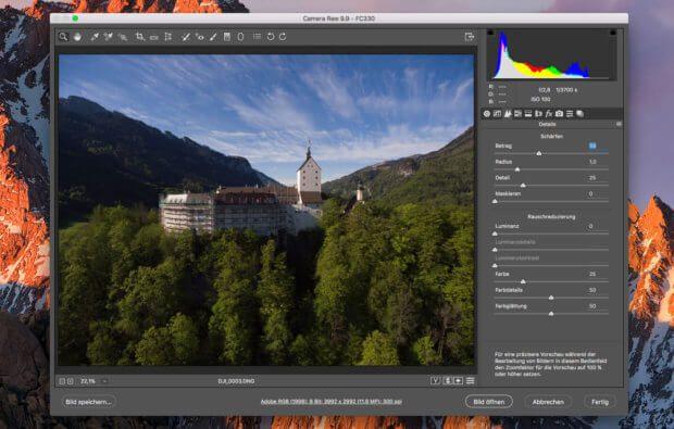 Beim RAW-Import konfrontiert Photoshop den Benutzer erstmal mit einer Batterie an Schiebereglern und Menüs, die zwar viele Einstellungsmöglichkeiten bieten, aber eine Auto-Optimierungs-Funktion gibt es hier leider nicht.