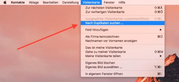 Die Kontakte App auf dem Mac hat schon eine Fuktion eingebaut, mit der man nach Duplikaten suchen kann.