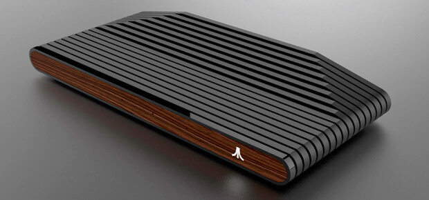 Das Ataribox Design: alte und neue Elemente wie Holz, die Rippen auf dem Rücken oder der erhöhte Rückteil sowie Glas, LED-Beleuchtung und neue Anschlüsse werden vereint.