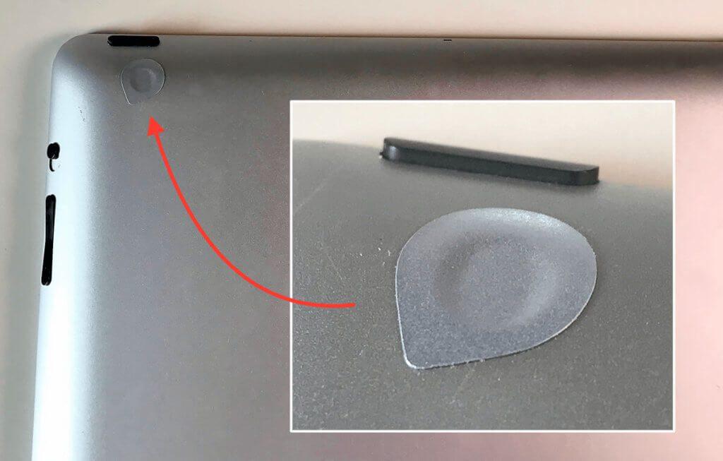 Die silbernen Aufkleber passen farblich perfekt zum Alugehäuse des iPad.