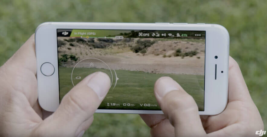 Technisch gesehen, hat DJI die Smartphone-Steuerung der Drohne perfekt umgesetzt, aber leider ist es für meinen Geschmack immernoch deutlich schwammiger und ungenauer als die Steuerung über den echten Controller, der leider nur mit der Fly More Combo oder als extra Zubehör verkauft wird.