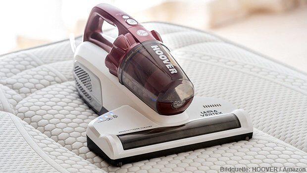 Der HOOVER Ultra Vortex Milben- und Matratzen-Staubsauger entfernt Hausstaubmilben, Hautschuppen, Milbenkot und weiteren Staub aus dem Bett - ideal für Allergiker!