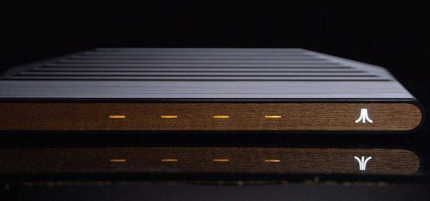Es gibt News zur Ataribox, zu technischen Daten, dem Betriebssystem, Prozessor, Grafikkarte, Apps, Spielen, dem Preis und dem Release. Bald könnt ihr die neue Atari-Konsole kaufen ;) (Bild: Atari Inc.)