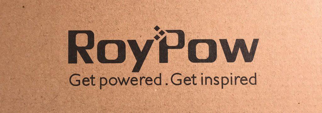 Noch nie was von RoyPow gehört? Ich auch nicht… aber trotzdem scheint die Marke ein gutes Händchen für KFZ-Elektronik-Zubehör zu haben. Der Spannungswandler und die Starthilfe-Powerbanks von RoyPow sind top bewertet auf Amazon.