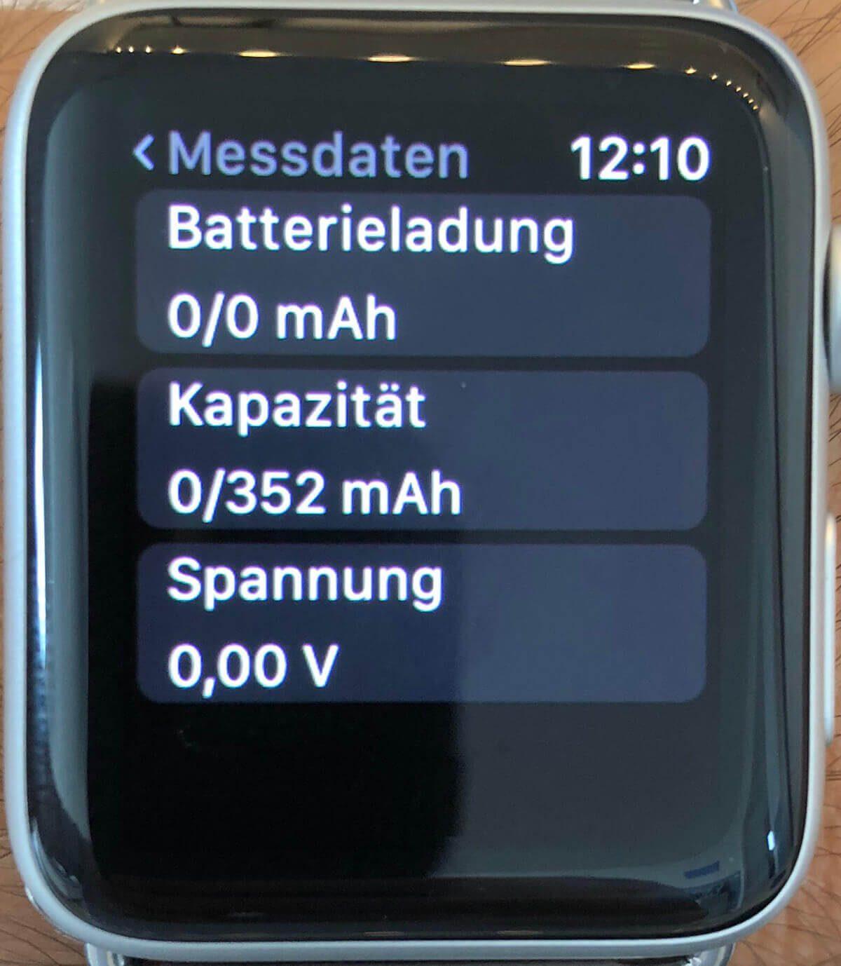 "Die App ""Battery Life"" zeigt bei der Kapazität der Series 3 LTE sogar 352 mAh Kapazität an (Foto: M. König)."
