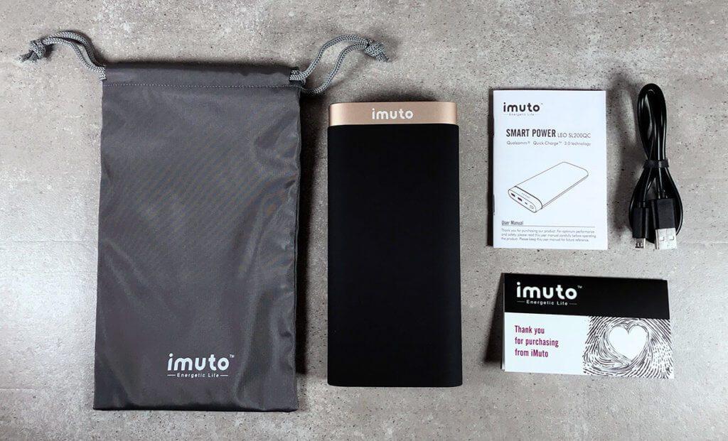 Im Lieferumfang der iMuto befindet sich neben dem Akku selbst auch ein Ladekabel, eine Anleitung und ein Transportbeutel, der jedoch relativ dünn ist und damit aus meiner Sicht nur geeignet ist, um die Sachen beisammen zu halten. Eine Schutzfunktion bietet der Beutel nicht.