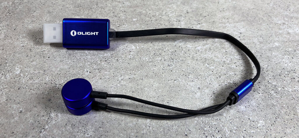 Klein und leicht: das richtige Akku-Ladegerät für Ultraleicht-Reisende und für alle, die gerne bei Kurztripps und anderen Urlauben ein Ladegerät dabei haben.