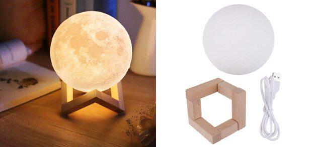 Mondlampe mit LED und Touchsteuerung: ideales Geschenk für Mondsüchtige und Sci-Fi-Fans. Der Holzständer ist im Lieferumfang inklusive.