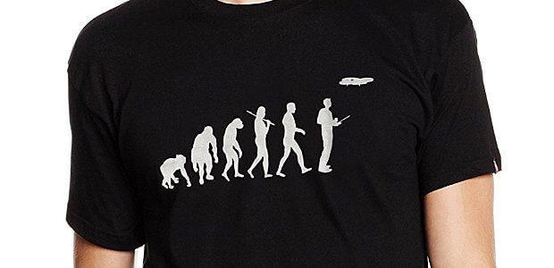 Lustige Fun-T-Shirts für Drohnenpiloten in der passenden Farbe und Größe findet ihr hier. Die coolen Motive machen die Shirts auch ideal als Geschenk für Piloten von Drohnen ;) drone pilot funny shirt