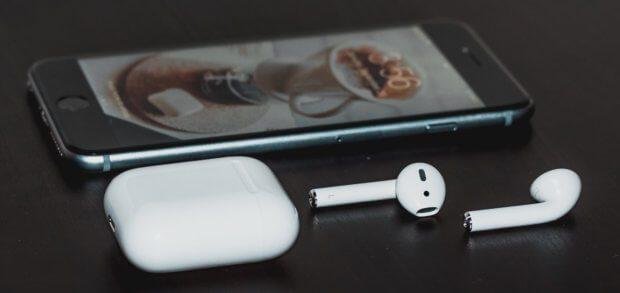 Die Apple AirPods einzeln verwenden, als Freisprechanlage bzw. Headset nutzen und immer ein Ohr frei haben - das geht und lohnt sich in vielen Situationen.