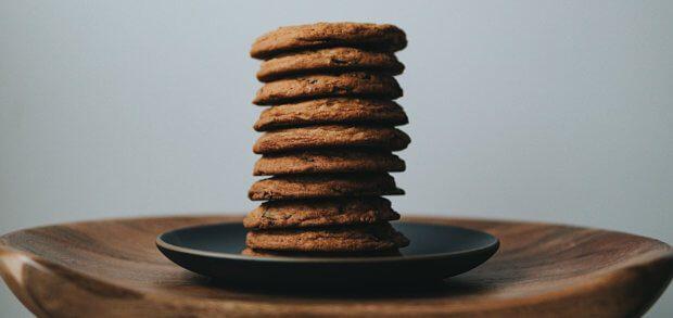 Ein Cookie ist nicht nur ein leckerer Keks, sondern auch eine Rückschluss-Datei mit Nutzer-Daten, welche für personalisierte Angebote und ein smoothes Weberlebnis verantwortlich ist. Wird der Einsatz erschwert, gehen Vorteile für Web-User und Anbieter verloren.