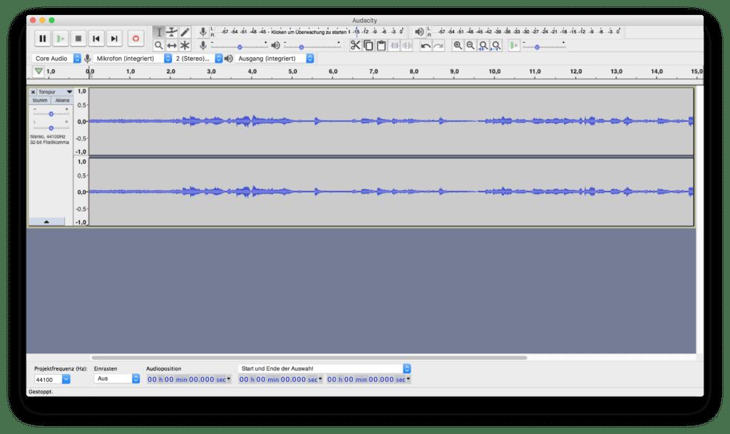 Audacity installieren, eine Datei importieren und exportieren - das bekommt man alleine hin. Wer das kostenlose Audio-Werkzeug aber umfassend nutzen will, sollte ein Audacity Handbuch, Online-Kurse oder Video Tutorials nutzen.