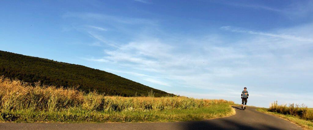 Das Schöne am Einradfahren: Man ist mal wieder weg vom Mac und draussen an der frischen Luft! :D Macht ihr mit?