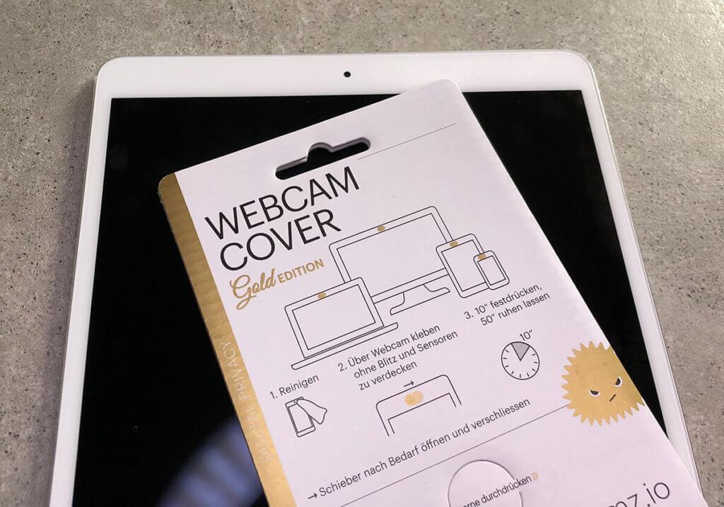 Vor der Montage: Die Packung des Webcam-Covers und mein iPad Pro 10,5 Zoll.