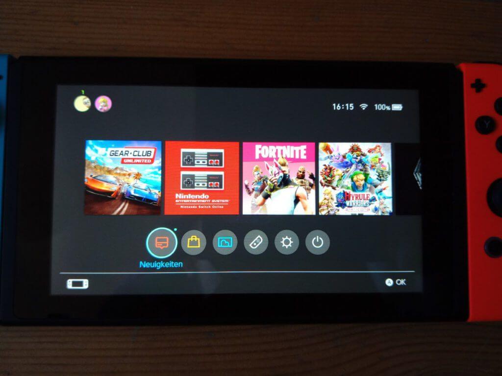 Im System, wie hier auf dem Home-Bildschirm, aber auch im eShop sowie in einzelnen Spielen kann man das Touch-Display nutzen.