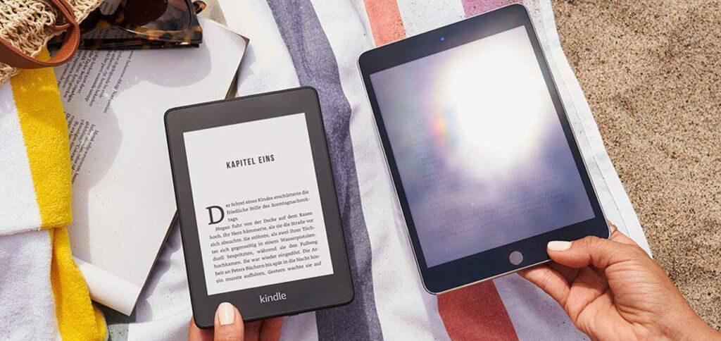 Klein, leicht und ohne spiegelndes Display ist der neue Amazon Kindle Paperwhite 2018 ideal für Urlaub und Reise - sogar am / im Pool oder See! Bild: Amazon