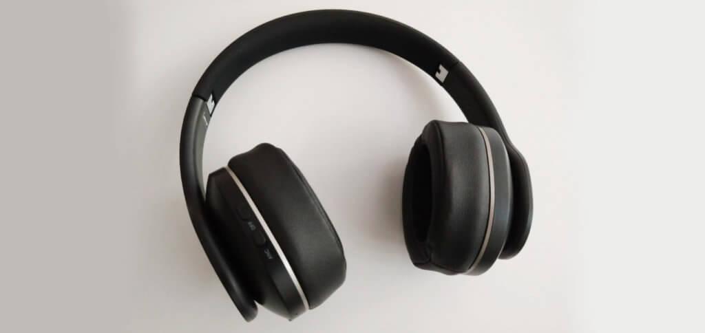 Im TaoTronics TT-BH047 Test haben sich viele Vorteile und ein Nachteil gezeigt. Was die Bluetooth 4.2 Kopfhörer mit Active Noise Cancelling können, das habe ich euch anhand meiner Erfahrungen hier aufgeführt.