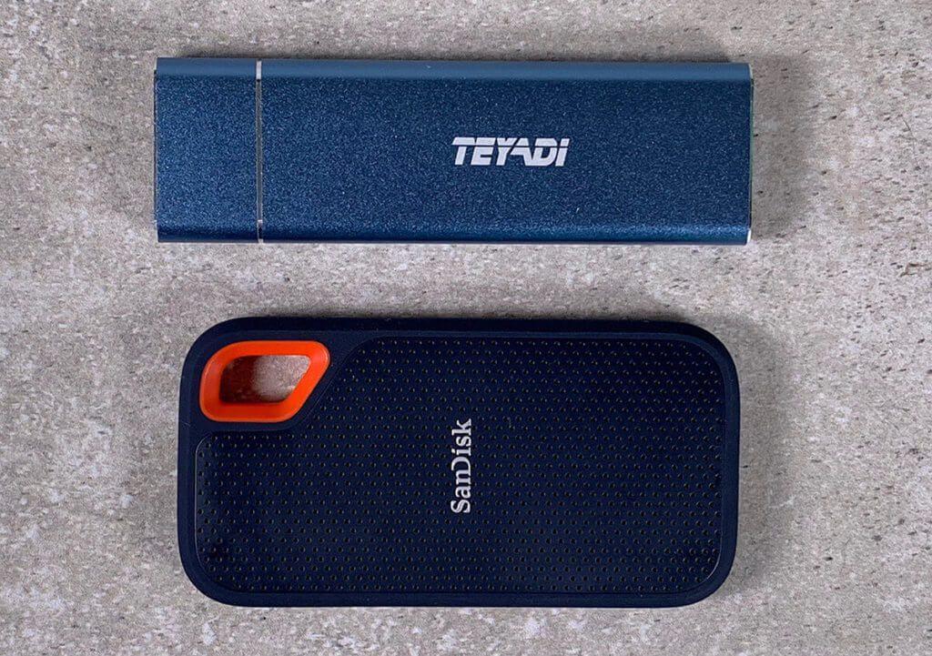 Im Vergleich: Die Teyadi und die SanDisk SSD.