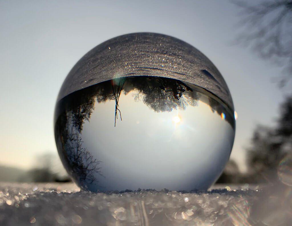 Glaskugel im Schnee – sieht irgendwie aus, wie diese Kugeln, die man Schütteln muss, damit es darin schneit (Fotos: Sir Apfelot).