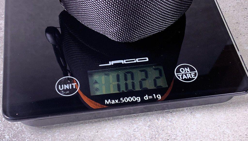 Schon das 90 mm Modell bringt ein Kilogramm auf die Waage – mehr möchte man nicht frei in der Hand balancieren.
