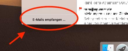 Links unten in der Seitenleiste informiert Apple Mail über die aktuellen Aktivitäten.