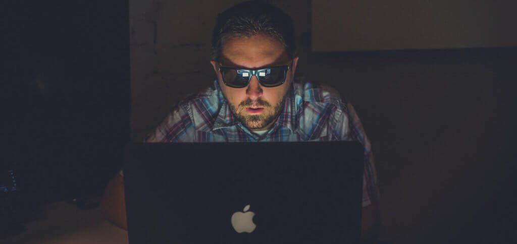 Collection #1 heißt die Sammlung von hunderten Millionen E-Mail-Adressen und Passwörtern. Man kann auf entsprechenden Seiten testen, ob man betroffen ist. Doch: Cui bono?