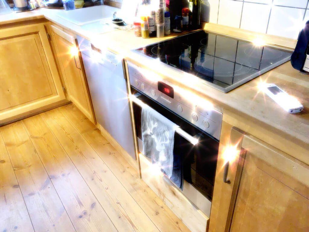 Auch wenn man mal die Küche nicht aufgeräumt hat, kann man seinem Schatzi trotzdem ein Beweisfoto schicken, wie sauber alles ist. ;-)