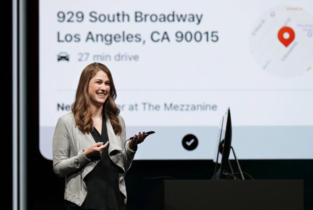 Kimberly Beverett zeigt, wie Siri Shortcuts im Alltag helfen - von der Kaffeebestellung bis zur Reiseplanung. Quelle: Apple