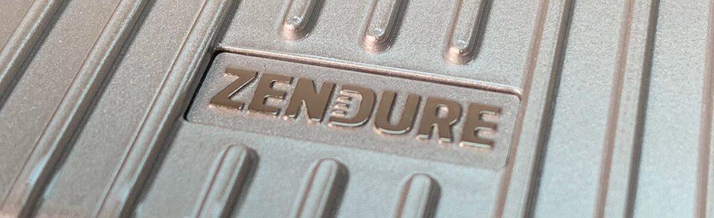 Die Powerbanks von Zendure sind alle auf hohe Haltbarkeit getrimmt. Das Alu-Gehäuse ist so widerstandsfähig, dass der Hersteller in einem Werbespot ein Auto über die Powerbank fahren läßt.