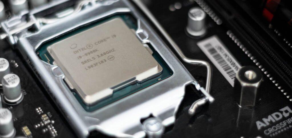 Der CPU soll effizient gekühlt werden? Mit einer Flüssigmetall-Wärmeleitpaste profitiert man dank Gallium oder Indium von einer hohen Wärmeleitfähigkeit. Es gibt aber auch Nachteile, aufgrund derer man vorsichtig vorgehen sollte!