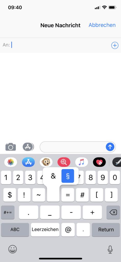 Das Paragraph-Zeichen auf der iOS-Tastatur am iPhone (Apple iPhone X mit iOS 12).