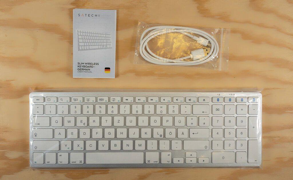 Im Lieferumfang der Tastatur ist neben einer kleinen deutschsprachigen Anleitung auch ein USB-C Ladekabel für die Tastatur.