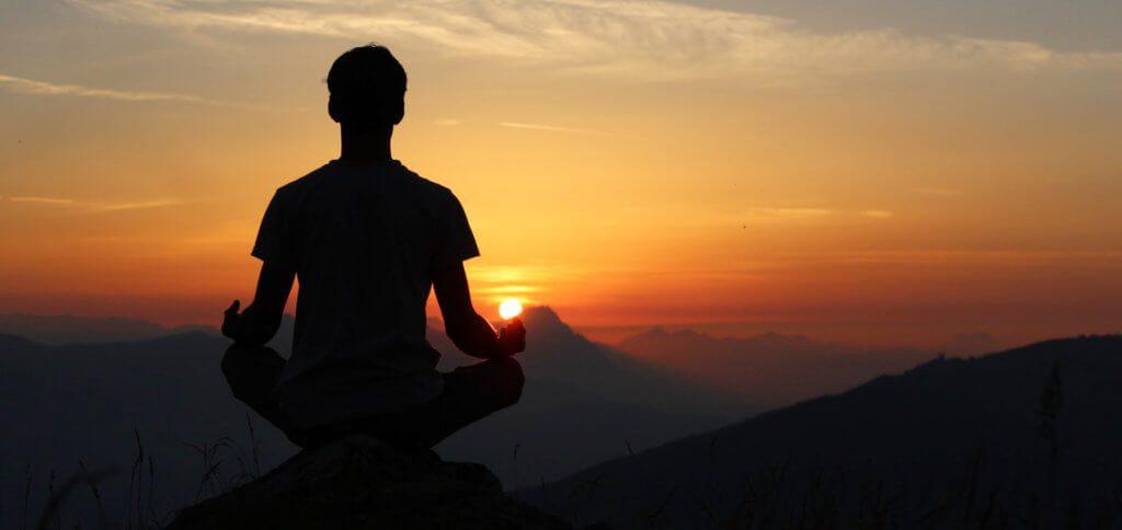 Hier findet ihr Details für drei Meditation-Apps fürs iPhone. Neben den iOS-Programmen Headspace, 7Mind und Calm fürs Meditieren habe ich noch das Muse-Stirnband mit eigener Software als Alternative aufgeführt.