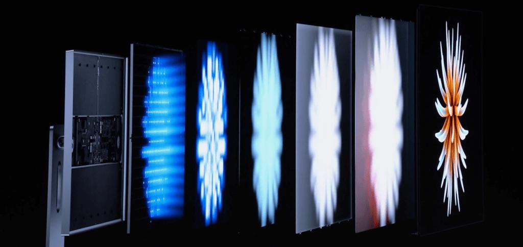 Der Aufbau des Displays. Ganz hinten sorgen blaue LEDs für die Helligkeit.