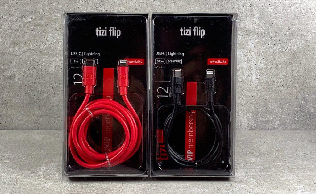 Hier sind die zwei tizi flip Ultra USB-C-auf-Lightning-Kabel mit 2 Meter (rot) und 0,5 Meter (schwarz) noch original verpackt (Fotos: Sir Apfelot).