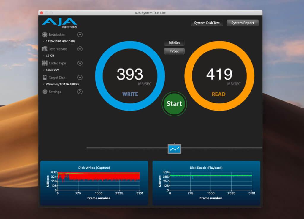 Bei meinem Benchmarking mit Aja System Test macht die ADATA eine gute Figur und erreicht sowohl beim Lesen als auch beim Schreiben Werte um die 400 MB pro Sekunde.