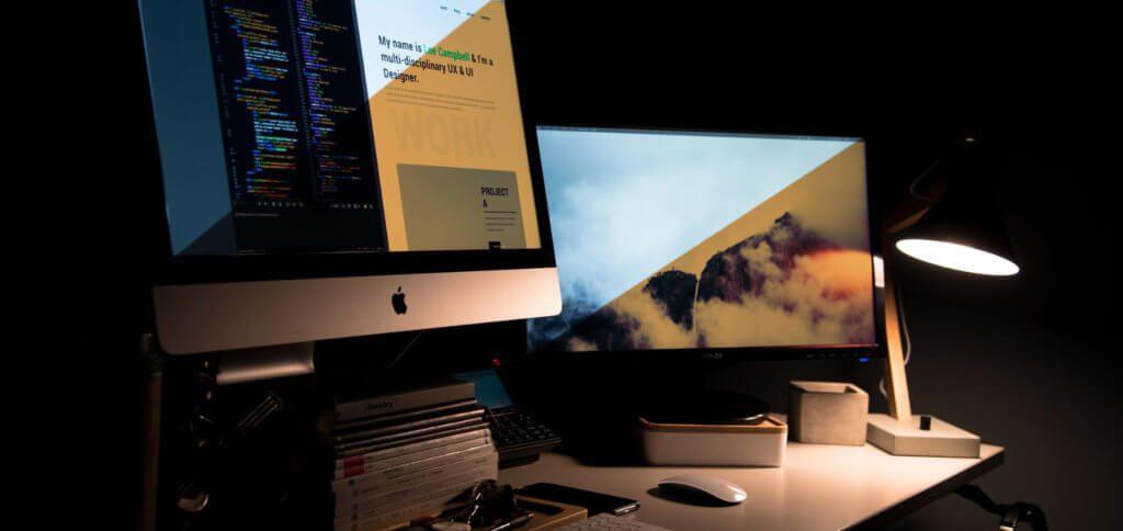 macOS Night Shift am Apple Mac hebt die Farbtemperatur der Display-Anzeige. Der Filter gegen schädliches blaues Licht kann individuell und dauerhaft aktiviert werden.