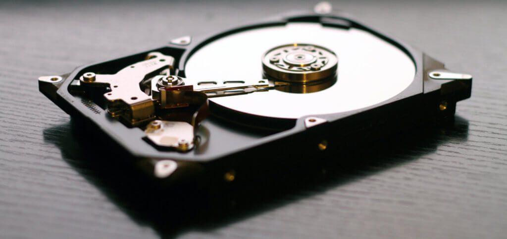 Abzocke bei der Datenrettung – mit kostenloser Software zum selber retten der Daten, per Festplatten-Backup und / oder mit einem Boot-Stick lässt sich das Problem selber lösen.