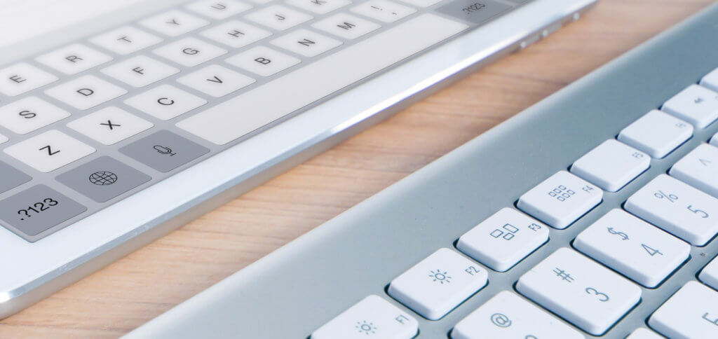 Die iPad-Tastatur auf dem Display trotz gekoppelter Hardware-Tastatur einblenden? Das geht! Hier die Anleitung, mit der ihr die Softwaretastatur anzeigen lassen könnt, auch wenn ein Smart Keyboard angeschlossen ist.